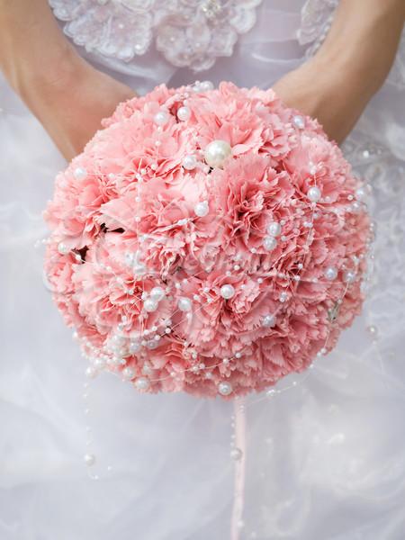 Букет невесты с гвоздиками розовый