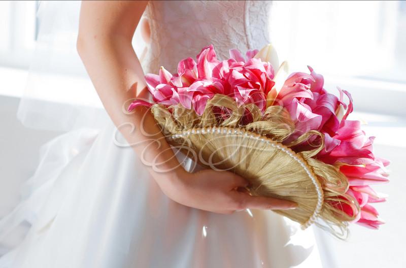 Свадебный.ру. Свадебные букеты фото. Свадебные букеты веер. Свадебные букеты необычная форма. Свадебные букеты лилии. Свадебные