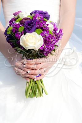 Букет невесты для фиолетовой свадьбы