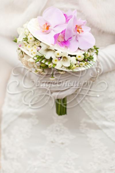 Стильный свадебный букет с орхидеями