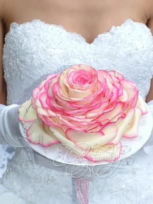 Розовая розамелия